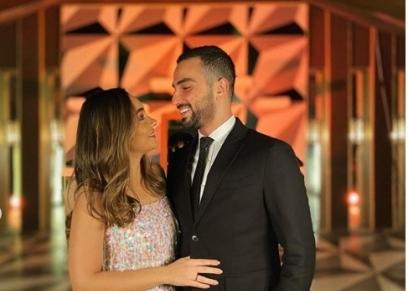 محمد الشرنوبي يحتفل بالعام الجديد بصحبة خطيبته رندا رياض