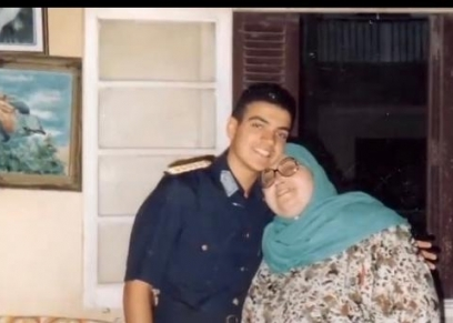 الشهيد أحمد منسى ووالدته