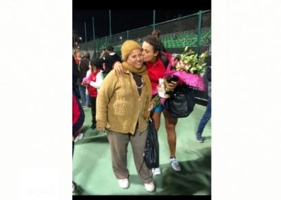 والدة ميار شريف بطلة التنس الرياضية