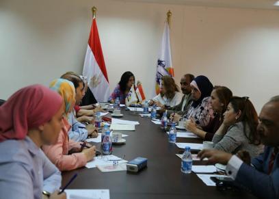 لجنة البحث العلمي بالقومي للمرأة تعقد اجتماعا للتوعية بالكشف المبكر للأورام