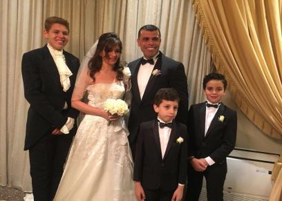 خبير تنمية بشرية يعيدذكريا حفل زواجة بعد 15 عام لنشر الحب والطاقة الايجابية
