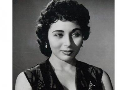 لبنى عبدالعزيز