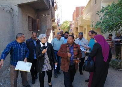 هدى المغربى رئيس مدينة سفاجا أثناء جولتها