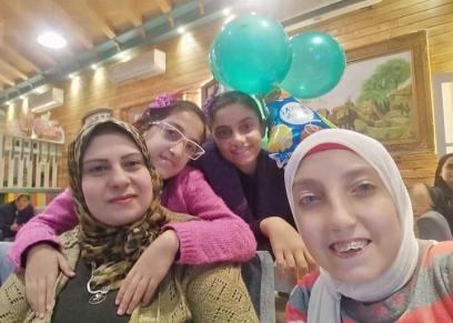 أسماء وبناتها ببورسعيد