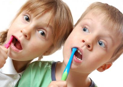مخاطر خلع الأسنان اللبنية مبكراً عند الأطفال