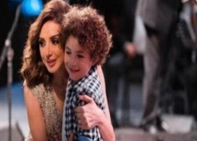 أنغام وابن شقيقتها ياسين