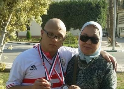 هادي ووالدته