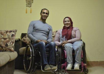 محمد وعبير.. زوجان يتحديان الإعاقة بشعار «الكرسى المتحرك أسلوب حياة»