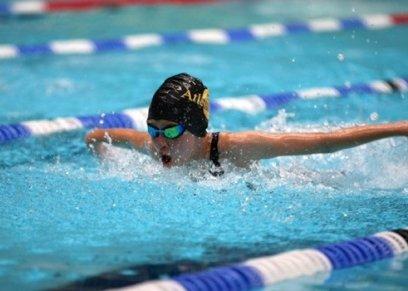 ممارسة السباحة