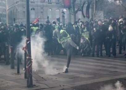 عن الاعتداء العنيف على المرأة بالمظاهرات الفرنسية..