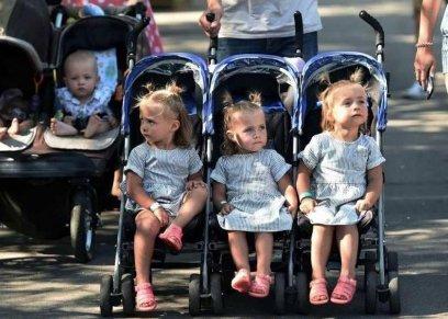مهرجان للأطفال التوائم في العاصمة الأوكرانية
