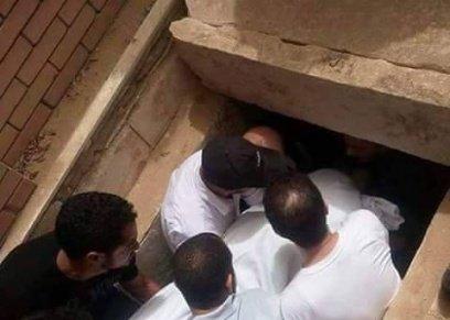 إذا توفت المرأة لمن يكون ولاية دفنها؟