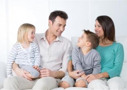 إبعاده عن الأخبار.. نصائح للتعامل الصحيح مع الطفل بشأن كورونا