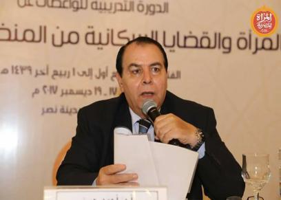 الدكتور أحمد حسنى رئيس جامعة اﻷزهر اﻷسبق