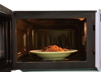 مواد وأطعمة احذر تسخينها داخل الميكرويف