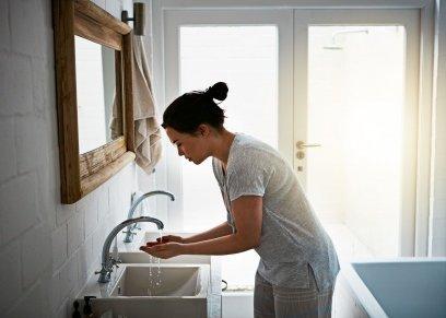 النساء اكثر نظافة من الرجال.. يغسلن ايديهم بعد استخدام المرحاض