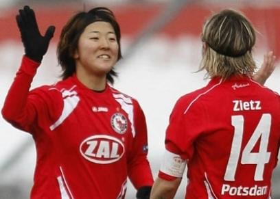 لاعبة كرة القدم اليابانية يوكي ناجاستو