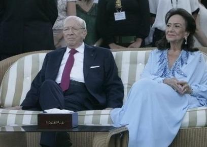 أرملة الرئيس التونسي الراحل في صورة قديمة تجمعهما