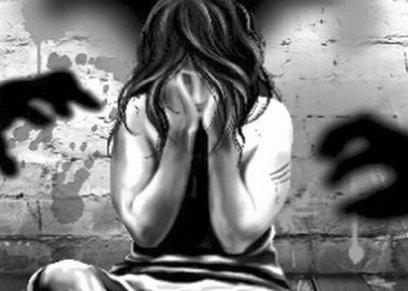 بعد4 سنوات.. «رضوى» تتهم والدها: «يعاشرني كالأزواج منذ وفاة والدتي»