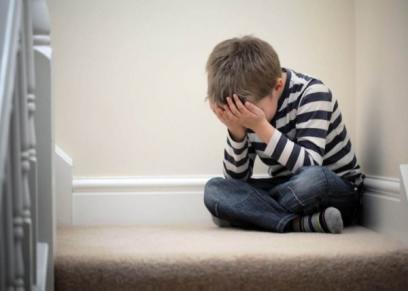 علامات تدل على مشاكل الصحة العقلية للطفل