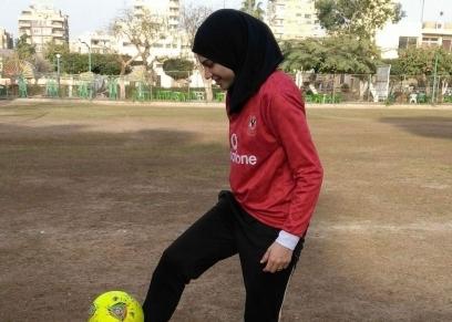 إيناس مصطفى لاعبة نادي الطيران لكرة القدم النسائية