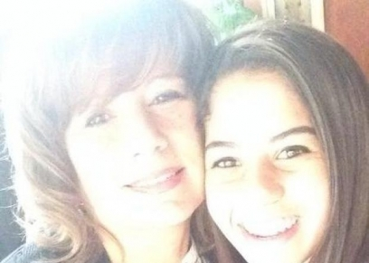 الراحلة إيمان نايل ووالدتها