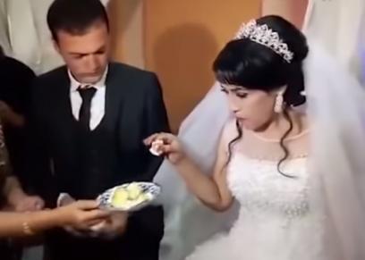 بالفيديو| عريس يصفع عروسه خلال حفل زفافهما