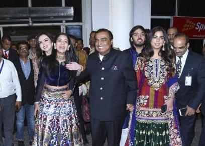 بالصور| قبل زواج ابنة أغنى رجل أعمال بالهند.. 4 حفلات زفاف أسطورية
