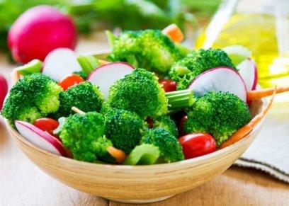 10 أطعمة تحتوي على سعرات حرارية بسيطة