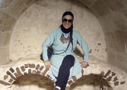 الكاتبة منى حارس