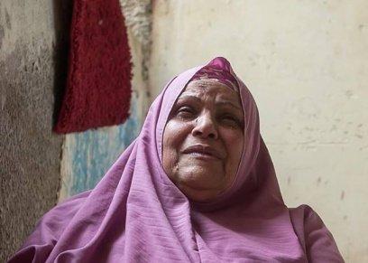 بالصور| جلسة تصوير  توضح عقوق الوالدين .. والمصور: