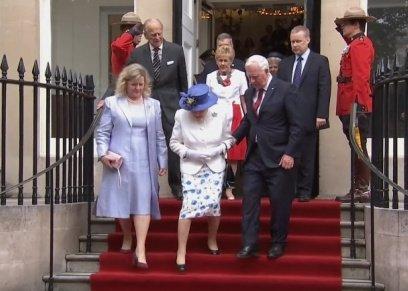 الملكة إليزابيث الثانية والحاكم العام لكندا