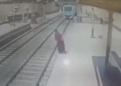 سيدات تخلصن من حياتهن على قضبان مترو الأنفاق