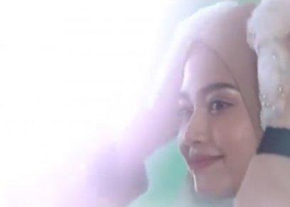 محجبة تظهر بالحجاب في اعلان شامبو للشعر!