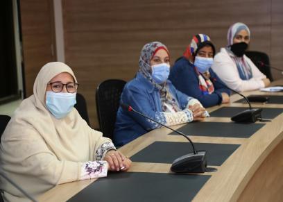 المجلس القومي للمرأة يكرم معلمي وطلاب حي الأسمرات