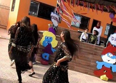 الرقص وأغاني المهرجانات في المدارس