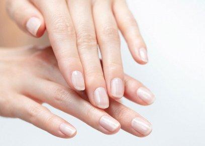 أسباب تشقق الجلد حول الاظافر وعلاجها
