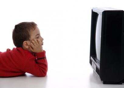 خطورة مشاهدة الأطفال البرامج ساعات طويلة