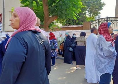 الأمهات أمام لجان الثانوية العامة
