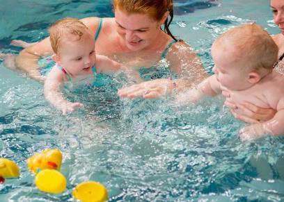لا توقف تمرينات السباحه في الشتاء لهذه الاسباب