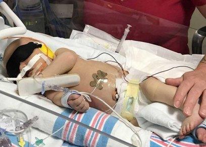 قبلة تتسبب في وفاة طفلة رضيعة بعد ولادتها