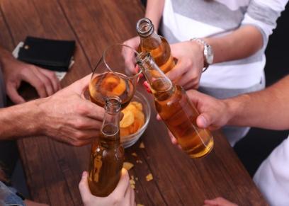 حكم الدين في التواجد في أماكن شرب الخمر
