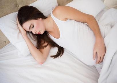 نوم الأم بعد الحمل الأول يتناقص بمعدل ساعة يوميا خلال أول 3 أشهر
