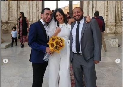 نجمة سابع جار تحتفل بعقد قرانها