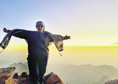 «مى» تتسلق أعلى 10 قمم جبلية فى مصر: