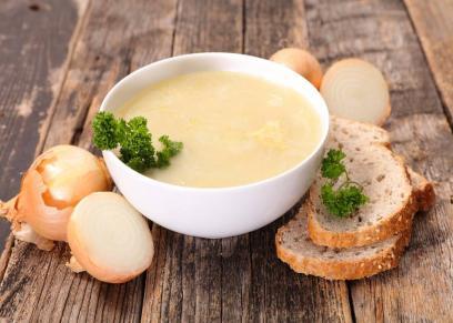 طبق شوربة البصل