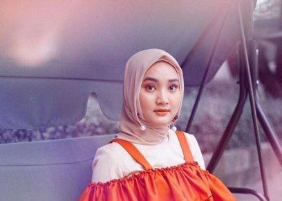 بالفيديو والصور| تعرف على فاتن صدقية.. مطربة إندونيسيا التي شاركت في منتدى شباب العالم