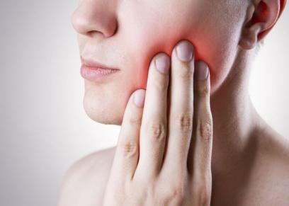 أعراض تنذر باحتمالية الإصابة بسرطان الفم.. منها