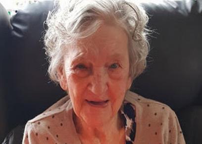 طرد مسنة من دار المسنين