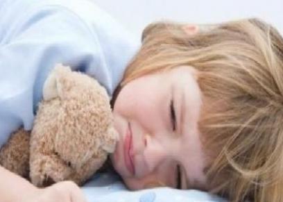 نقص النوم يؤثر سلبا على نمو دماغ الأطفال